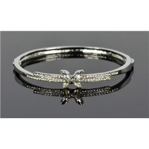 Bracelet métal couleur Argenté Collection Chic sertie de Strass D55mm fermoir a clip 76657