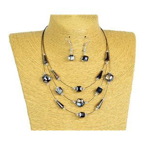 New Collection 2019-2020 Adornment Necklace 3 rows of Pearls in Suspension L44-48cm 77187