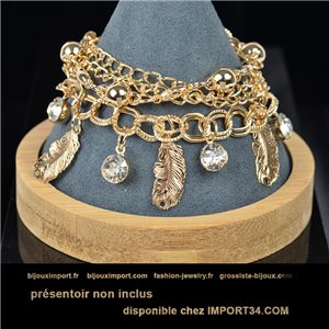 Pretty multirang charms bracelet set with high-shine rhinestones in gold metal 79080